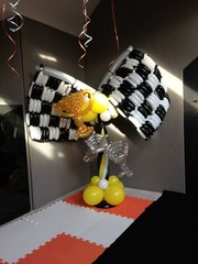 balloon chequered flag