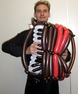 balloon accordian